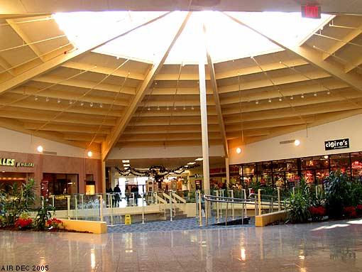 Air Stillinuse Lincoln Mall